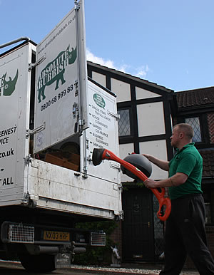 Image - Waste Disposal/Clearance Swindon | House/Garden Clearance | Fridge/Freezer Disposal/Recycling | Absolute Rubbish Swindon